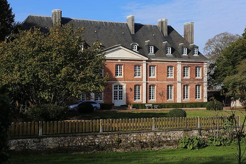 Photo du Monument Historique Château situé à Cuverville
