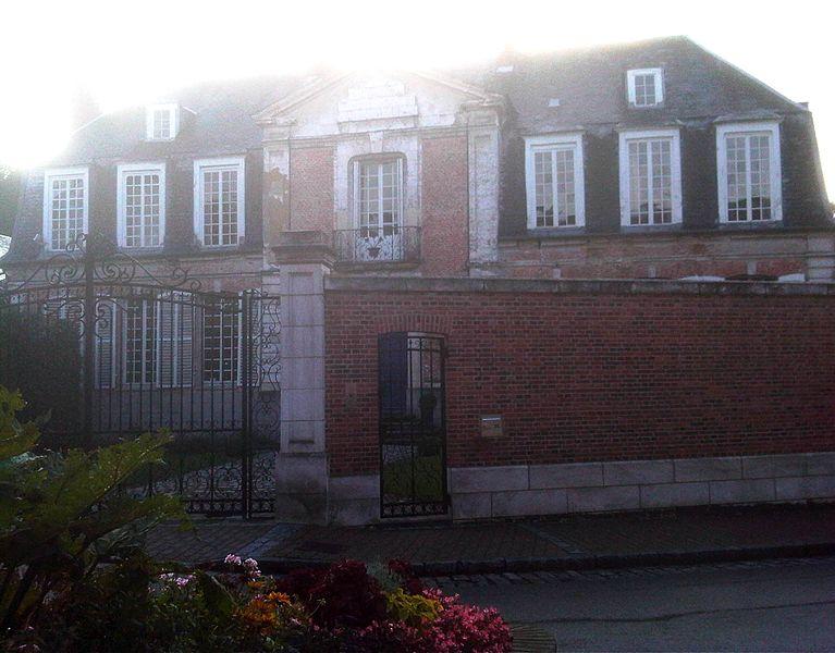 Photo du Monument Historique Ancien hôtel des évêques d'Amiens situé à Eu