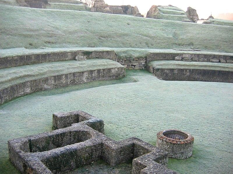 Photo du Monument Historique Ruines du théâtre antique situé à Lillebonne