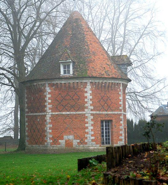 Photo du Monument Historique Ancien château du Fossé situé à Mont-Cauvaire