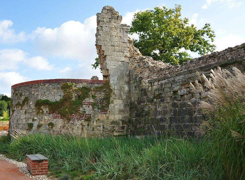 Photo du Monument Historique Restes des anciennes fortifications situé à Montivilliers
