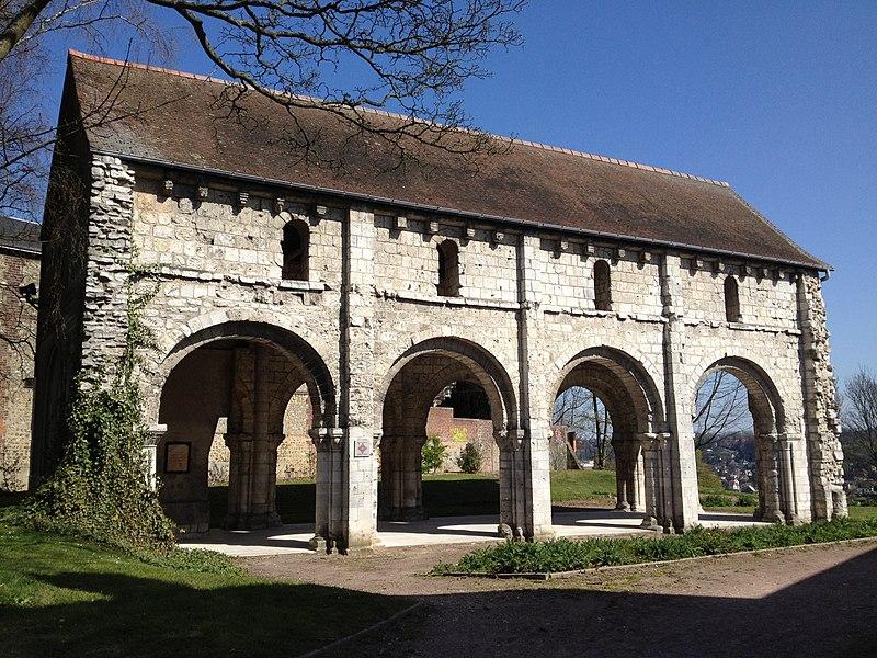 Photo du Monument Historique Ancienne église Saint-Jacques-du-Mont-aux-Malades situé à Mont-Saint-Aignan
