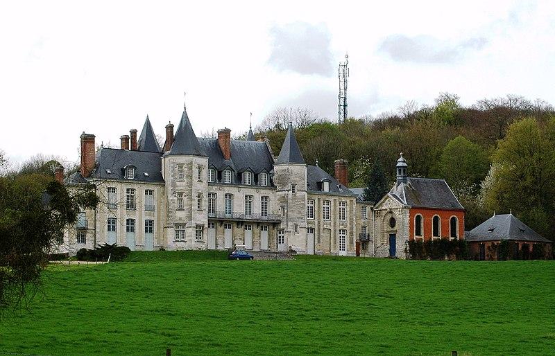 Photo du Monument Historique Château d'Esneval situé à Pavilly