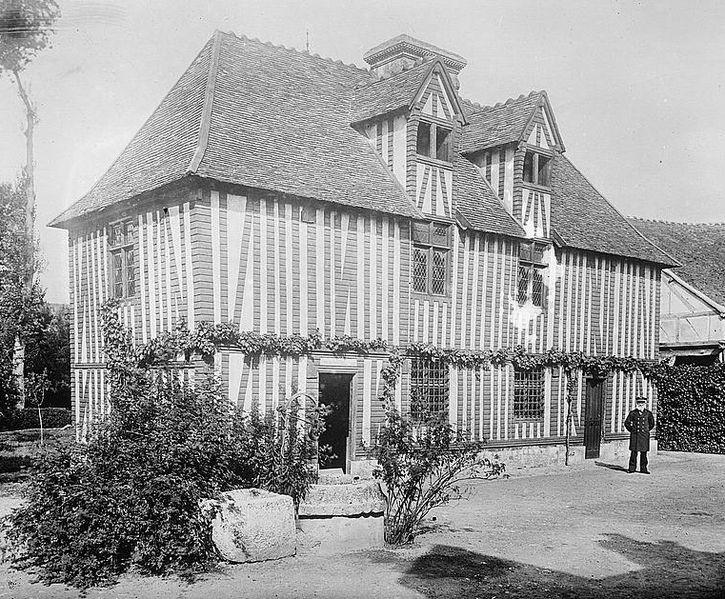 Photo du Monument Historique Maison de Pierre Corneille, actuellement Musée Pierre Corneille situé à Petit-Couronne