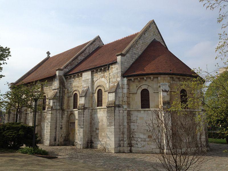 Photo du Monument Historique Ancienne léproserie de Saint-Julien-le-Chartreux situé à Le Petit-Quevilly