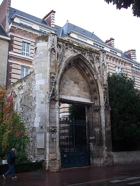Photo du Monument Historique Ancienne église Saint-Lô situé à Rouen