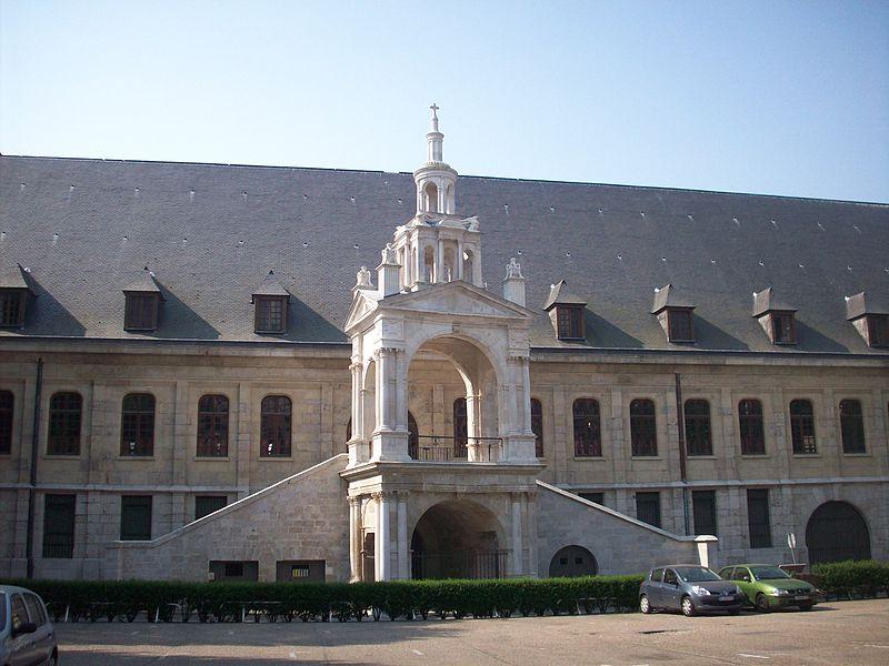 Photo du Monument Historique Fierte Saint-Romain ou chapelle Saint-Romain, à la Haute-Vieille-Tour situé à Rouen