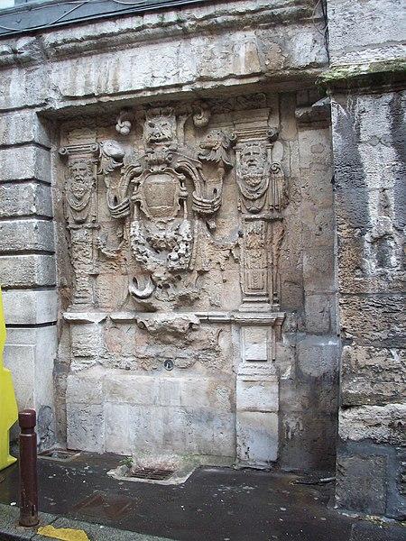 Photo du Monument Historique Fontaine Sainte-Croix-des-Pelletiers situé à Rouen