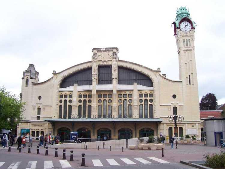 Photo du Monument Historique Gare rive droite situé à Rouen