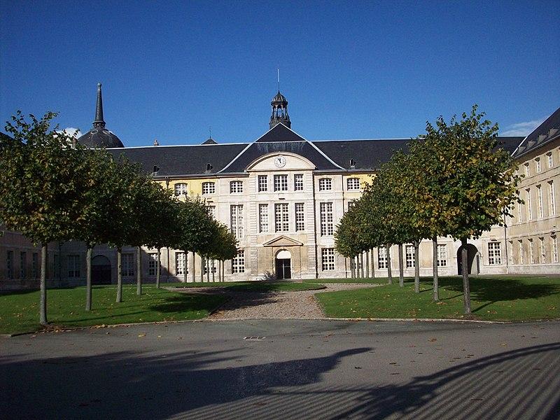 Photo du Monument Historique Hôtel-Dieu situé à Rouen