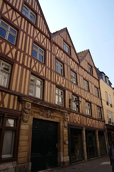 Photo du Monument Historique Hôtel de Senneville situé à Rouen