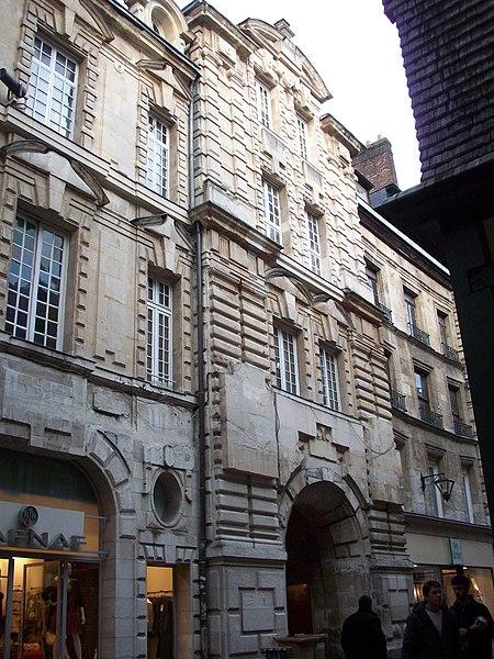 Photo du Monument Historique Ancien hôtel de ville situé à Rouen