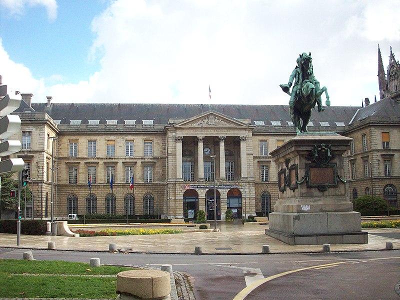 Photo du Monument Historique Hôtel de ville situé à Rouen
