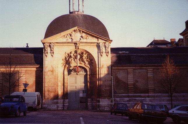 Photo du Monument Historique Lycée Corneille, ancien collège des jésuites situé à Rouen