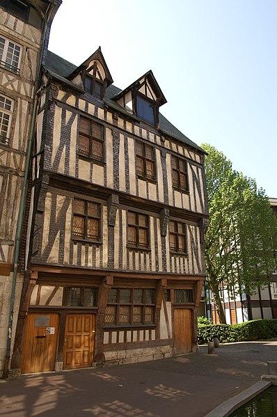 Photo du Monument Historique Maison de maître drapier, dite maison des Mariages ou maison Normande, ou maison des Quatre-Fils-Aymon, actuellement Musée national de l'Education situé à Rouen