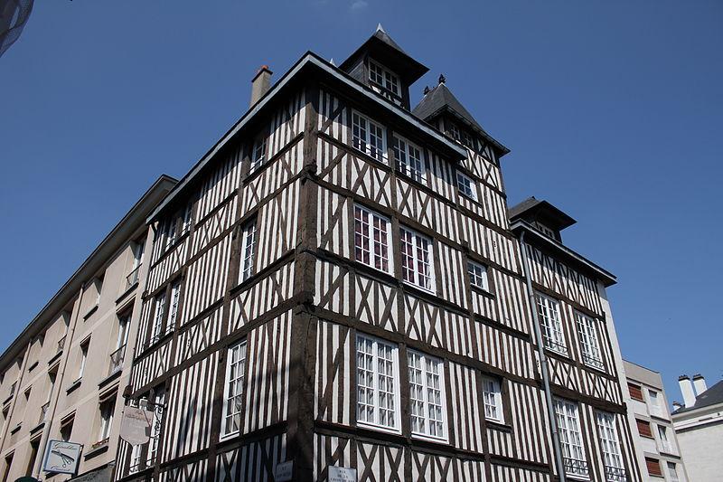 Photo du Monument Historique Maison à pans de bois situé à Rouen