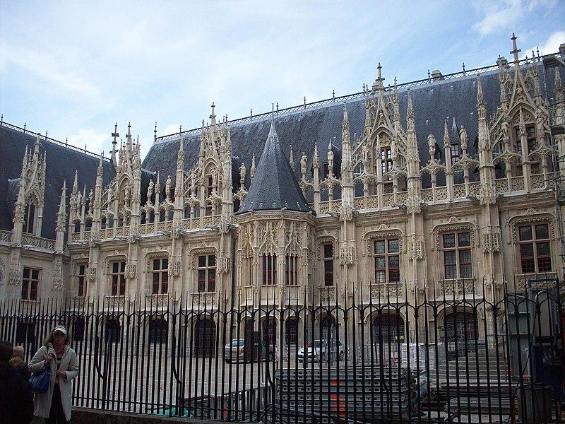 Photo du Monument Historique Palais de Justice situé à Rouen