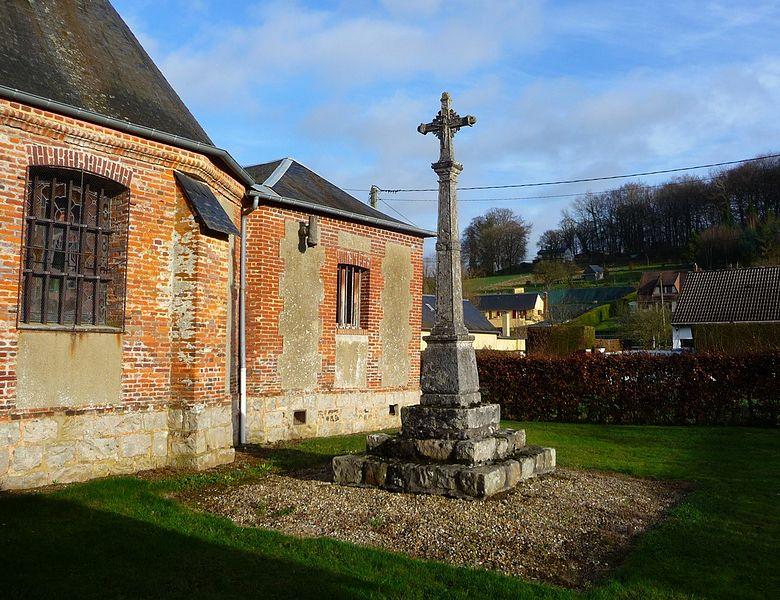 Photo du Monument Historique Croix en pierre de l'ancien cimetière situé à Saint-Germain-des-Essourts