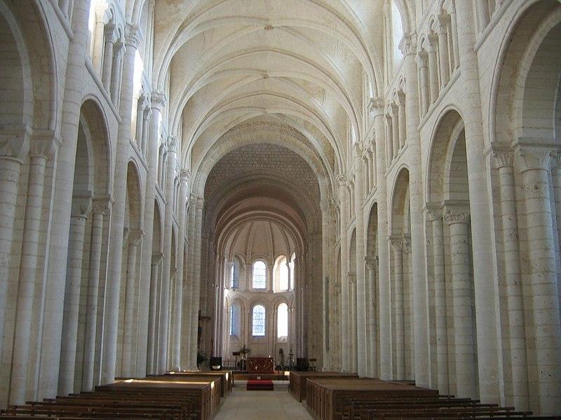 Photo du Monument Historique Ancienne abbaye Saint-Georges-de-Boscherville situé à Saint-Martin-de-Boscherville