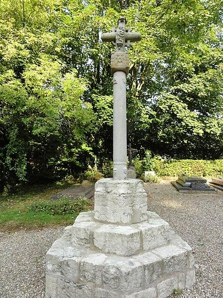 Photo du Monument Historique Croix de cimetière situé à Trémauville