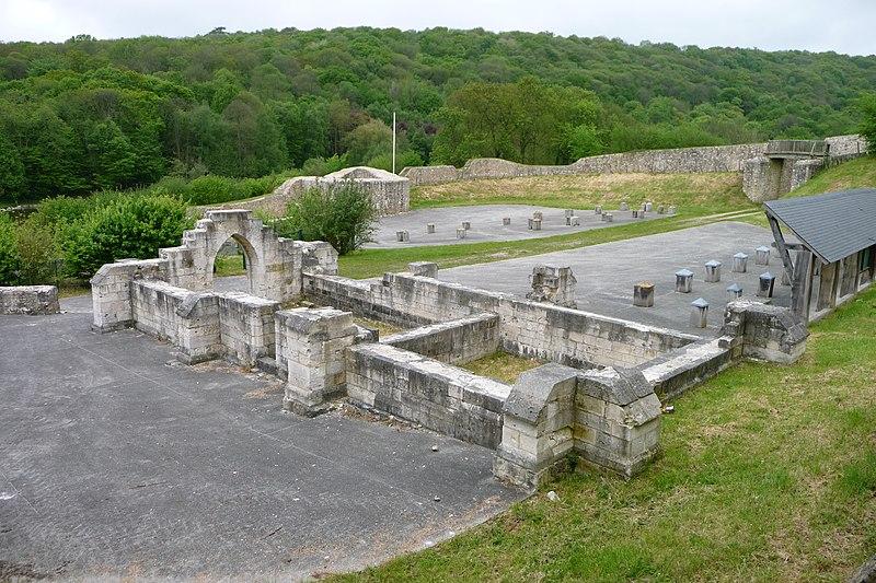 Photo du Monument Historique Ancienne enceinte féodale situé à Notre-Dame-de-Gravenchon