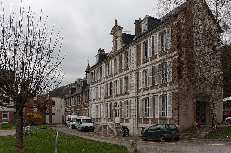 Photo du Monument Historique Ancien hospice Saint-Julien situé à Caudebec-en-Caux