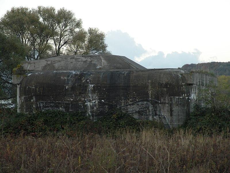 Photo du Monument Historique Encuvement sur abri pour canon de 50 mm antichar situé à Gonfreville-l'Orcher