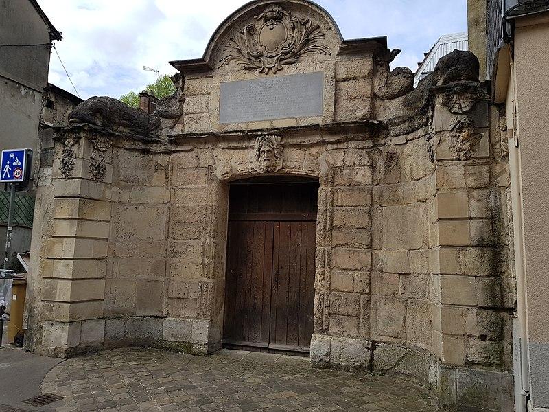 Photo du Monument Historique Aqueduc de Carville situé à Rouen