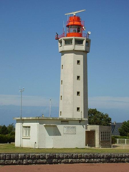 Photo du Monument Historique Phare de la Hève situé à Sainte-Adresse