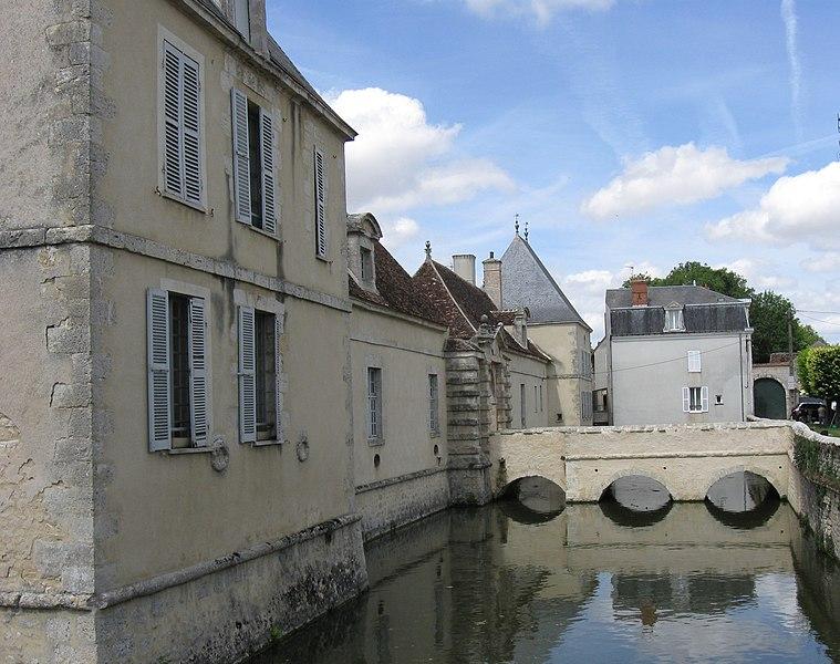 Photo du Monument Historique Château situé à Beaumont-du-Gâtinais