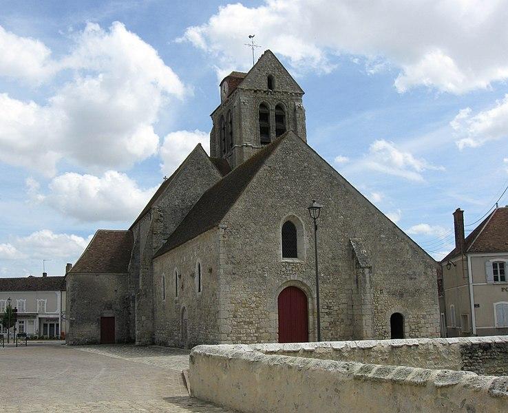 Photo du Monument Historique Eglise situé à Beaumont-du-Gâtinais