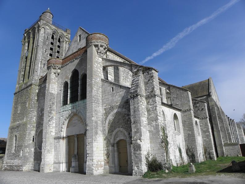 Photo du Monument Historique Collégiale Saint-Martin situé à Champeaux