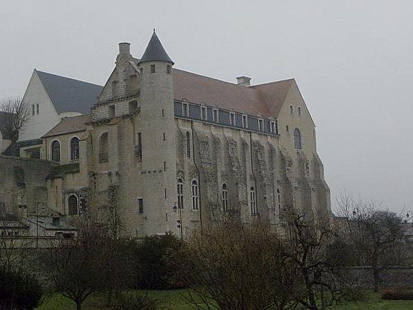 Photo du Monument Historique Abbaye Saint-Séverin situé à Château-Landon