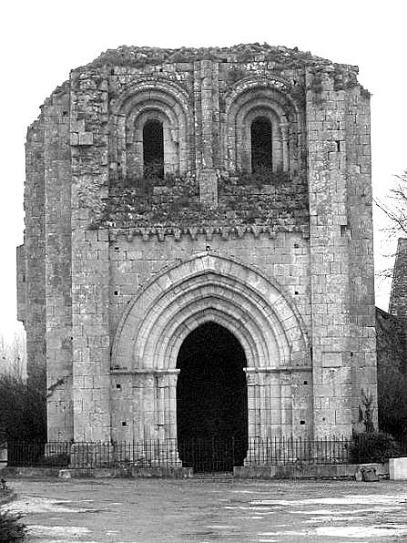 Photo du Monument Historique Tour Saint-André situé à Château-Landon