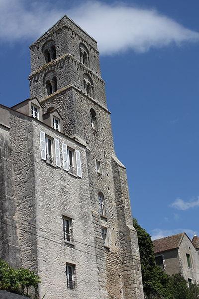 Photo du Monument Historique Tour de Saint-Thugal situé à Château-Landon