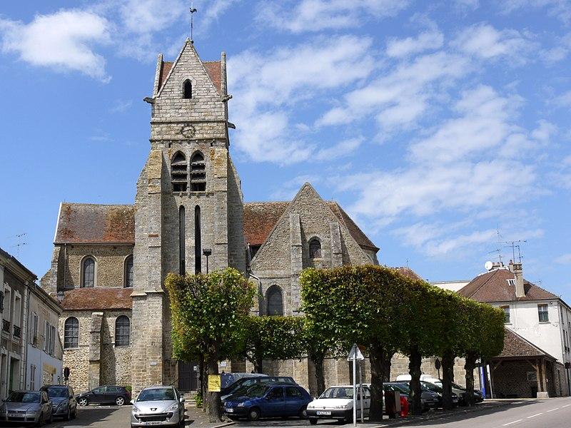 Photo du Monument Historique Eglise situé à Chaumes-en-Brie