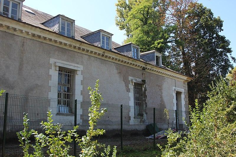 Photo du Monument Historique Ancien chenil royal, actuellement école d'application d'artillerie situé à Fontainebleau