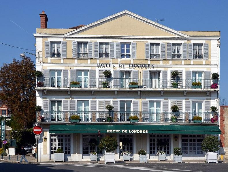Photo du Monument Historique Hôtel de Londres situé à Fontainebleau