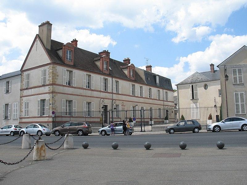 Photo du Monument Historique Ancien hôtel du Maine, hôtel de France et d'Angleterre situé à Fontainebleau