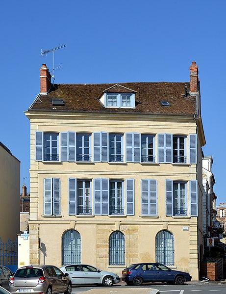 Photo du Monument Historique Hôtel de la Prévôté situé à Fontainebleau