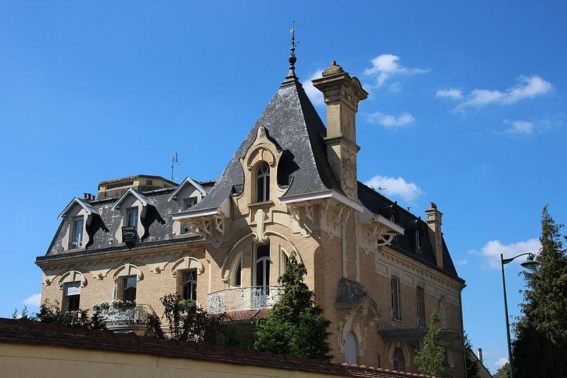 Photo du Monument Historique Maison Pierrotet situé à Fontainebleau