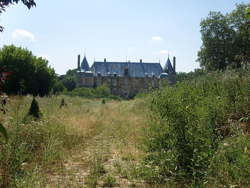 Photo du Monument Historique Ancien château du duc d'Epernon, dit aussi Ancien château des Sources situé à Fontenay-Trésigny