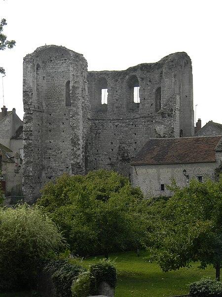 Photo du Monument Historique Château (vestiges) situé à Grez-sur-Loing