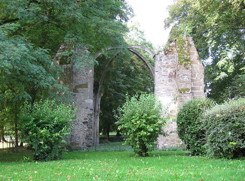 Photo du Monument Historique Eglise du château (restes de l'ancienne) situé à Gurcy-le-Châtel