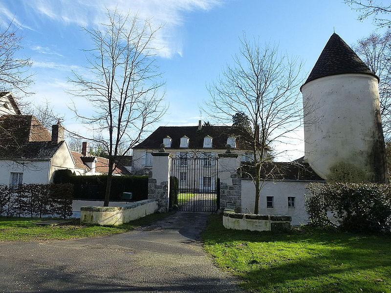 Photo du Monument Historique Manoir du Limodin situé à La Houssaye-en-Brie