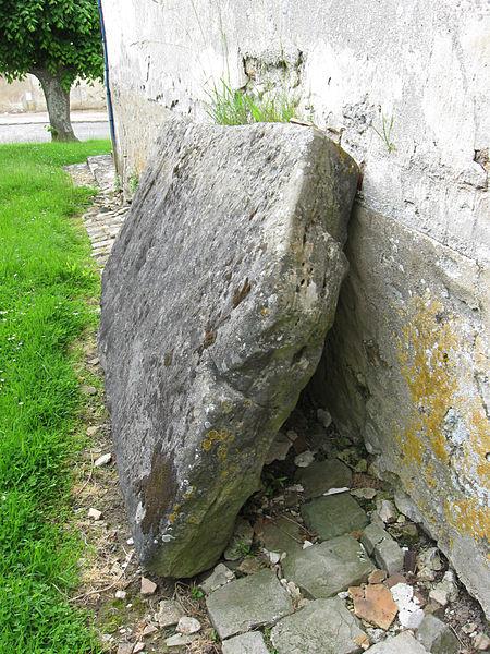 Photo du Monument Historique Polissoir situé à Jaignes