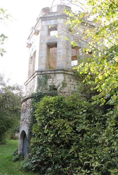 Photo du Monument Historique Vieille Tour de Lorrez-le-Bocage situé à Lorrez-le-Bocage-Préaux