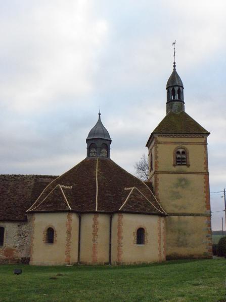 Photo du Monument Historique Eglise Saint-Hubert situé à Marêts (Les)