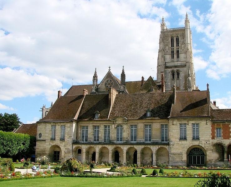 Photo du Monument Historique Ancien palais épiscopal situé à Meaux