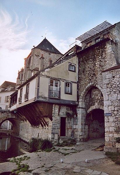 Photo du Monument Historique Poterne situé à Moret-sur-Loing